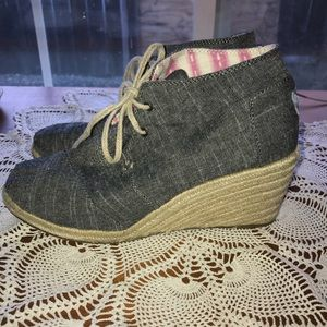 Toms Black Chambray Desert Wedge Shoes 9.5